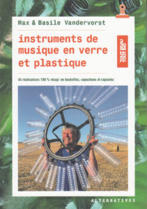 Couverture Instruments de musique en verre et plastique